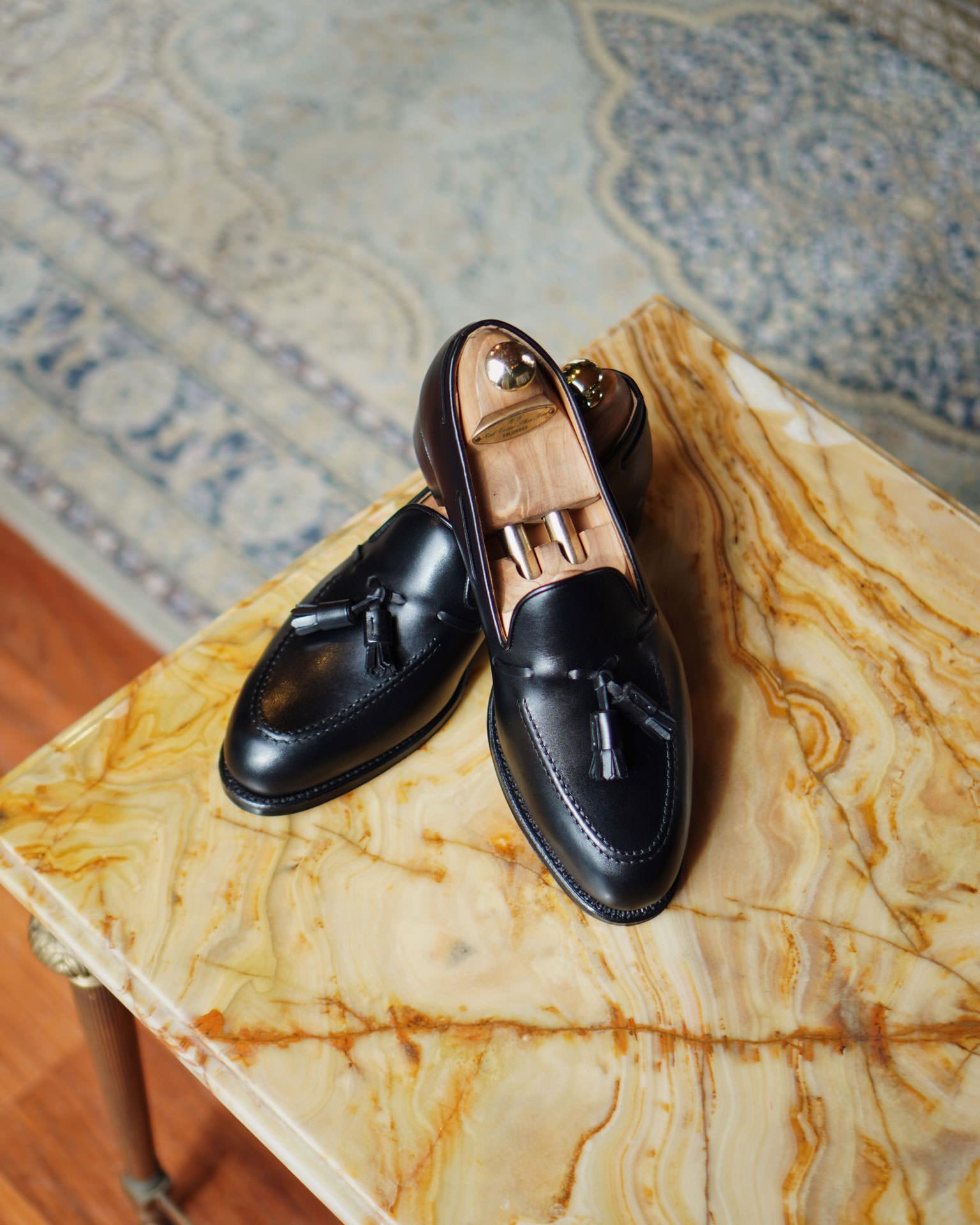 รองเท้า Tassel Loafers หนังสีดำ