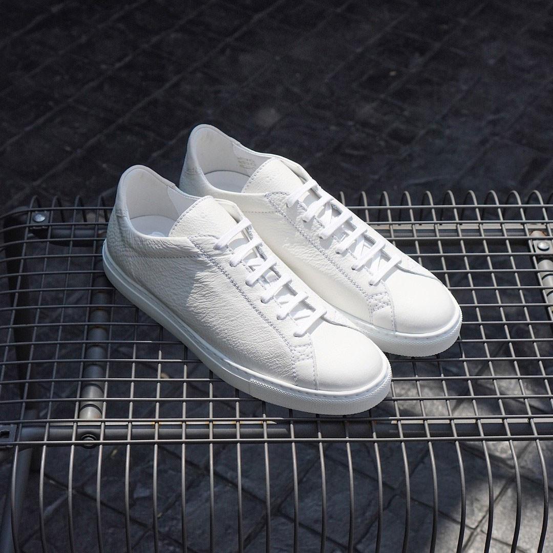 รองเท้าผ้าใบหนัง C.QP สีขาว
