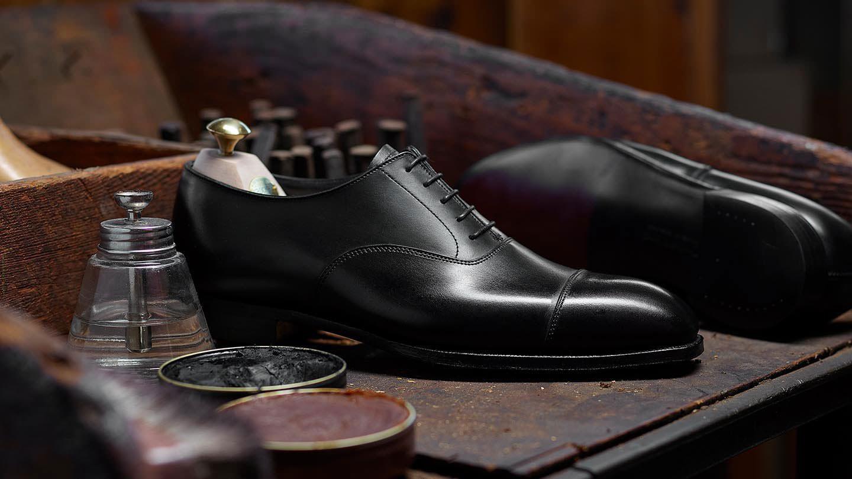 รองเท้า Oxford จาก Crockett & Jones